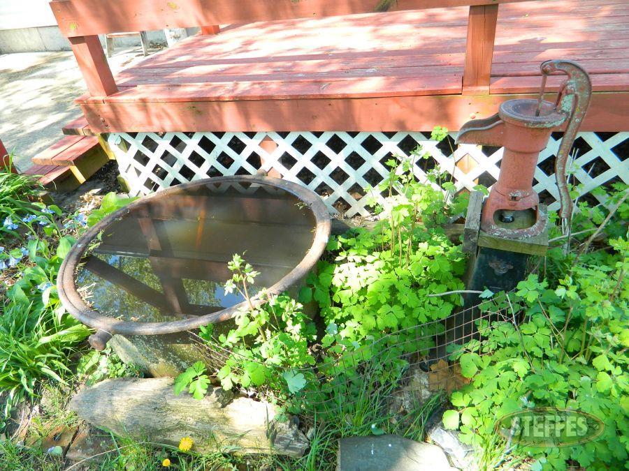Iron-Pot-and-Pump_2.jpg