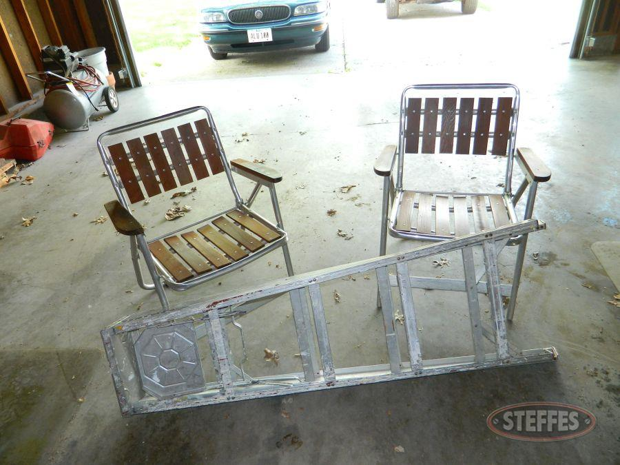 5--Step-Ladder-and-Lawn-Chairs_2.jpg