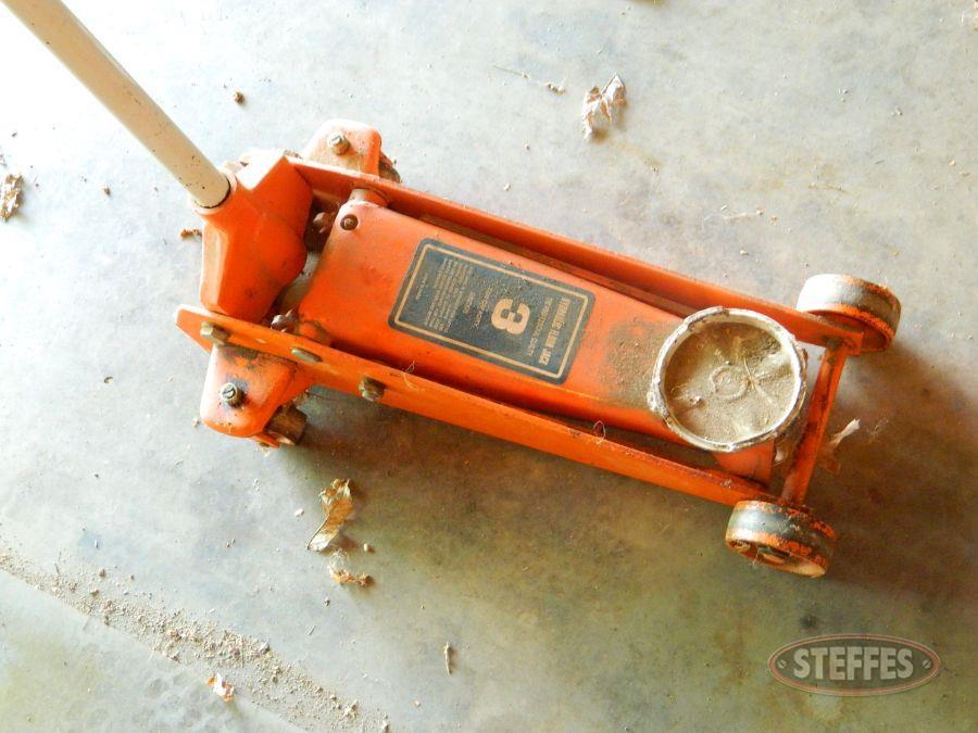 3-Ton-Hydraulic-Floor-Jack_2.jpg