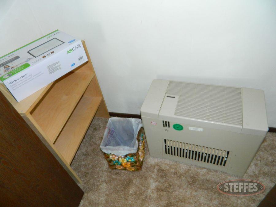 Humidifier--Bookshelf--and-Trash-Can_2.jpg