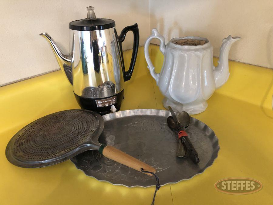 Coffee-Maker--Tea-Pot--Serving-Tray----Silverware_2.jpg