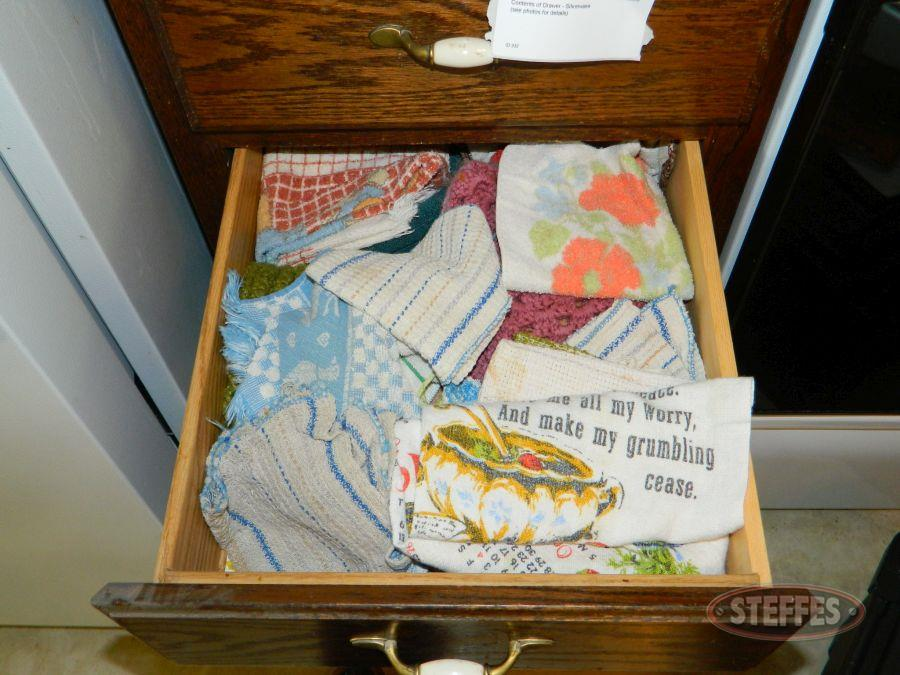 Contents-of-(3)--Drawers---Linens_2.jpg