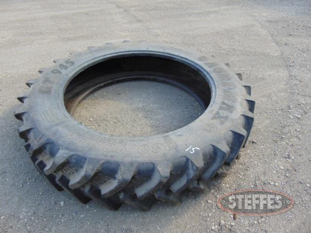 New-14-9-46-tractor-tire--_1.jpg
