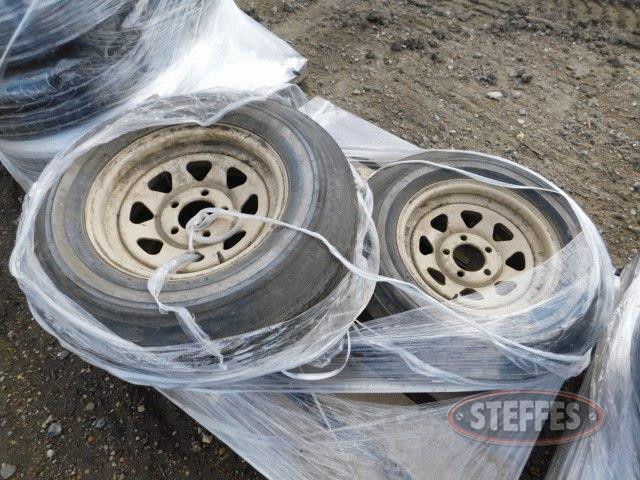 (3)-14--trailer-tires-on-5-hole-rims-_1.jpg