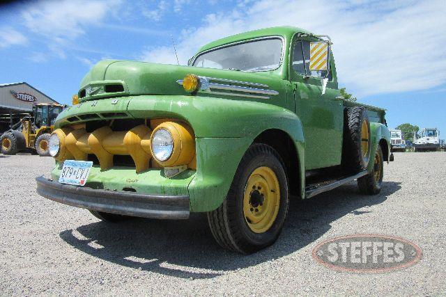 1952-Ford-_0.JPG