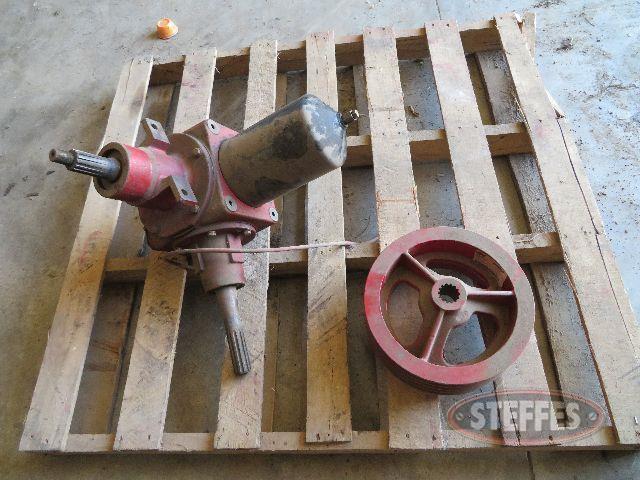 Header-drive-gear-box-for-2388_0.JPG