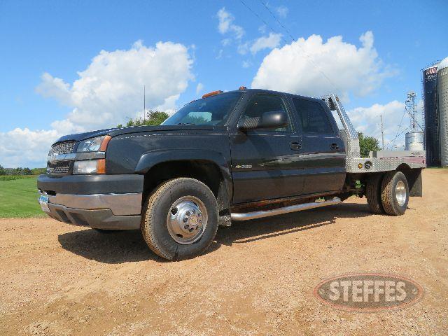 2004-Chevrolet-3500_0.JPG