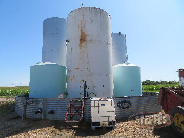 Fertilizer-tanks---containment-unit_0.JPG