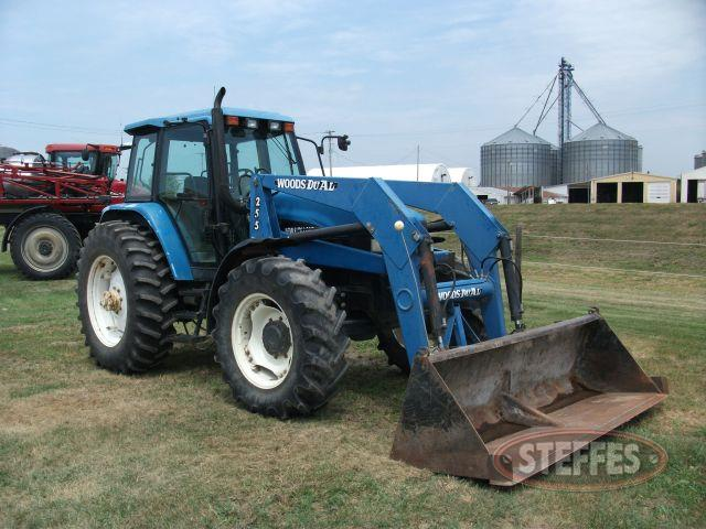 1998 New Holland 8260