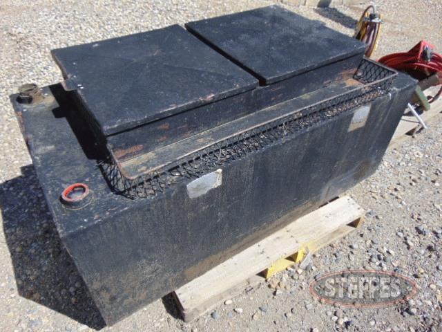 Pickup-fuel-tank--approx--115-gal--_1.jpg