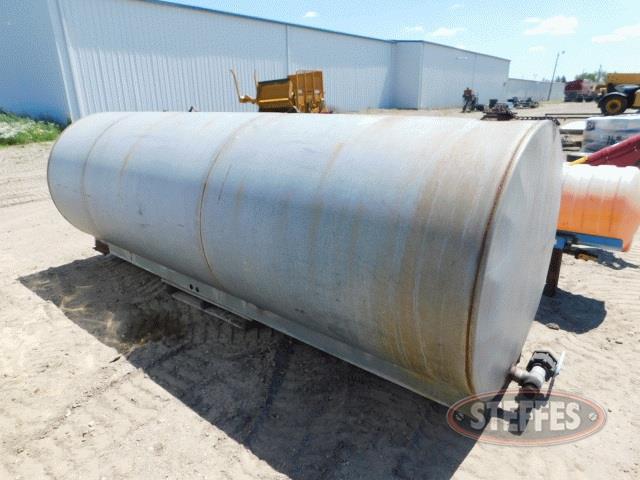 1-000-gal--steel-tank--_1.jpg