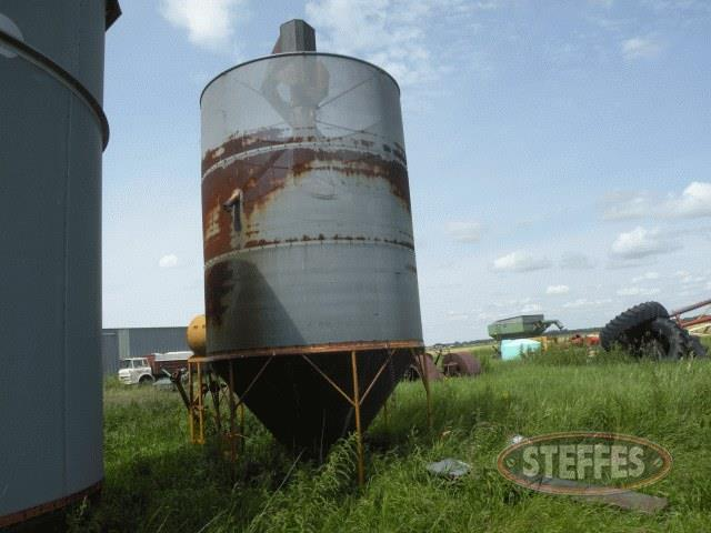 Portable-batch-grain-dryer--400-bu---_1.jpg