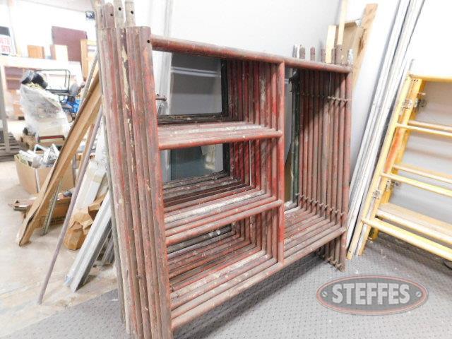 (12)-upright-scaffolding--5--wide--5--long--red_1.JPG