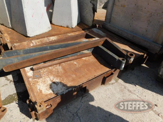 (3)-HD-steel-forkable-platforms--55-x82-_1.JPG