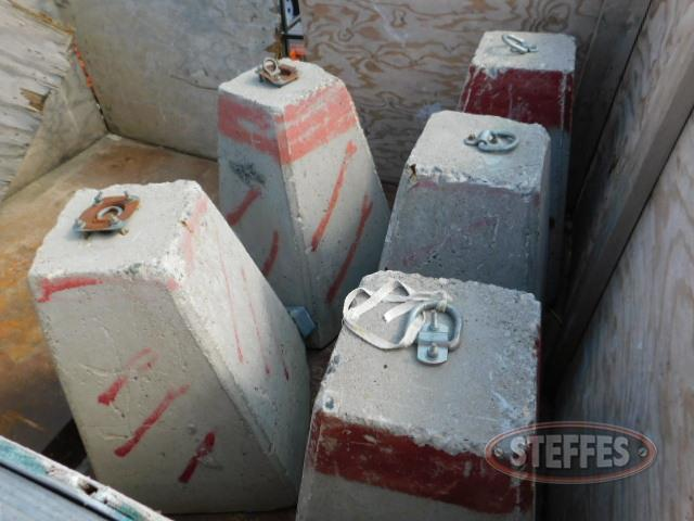 (9)-concrete-counterweights-bases_1.JPG