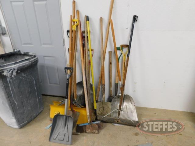 Shovels--scrapers--garden-tools--brooms_1.JPG