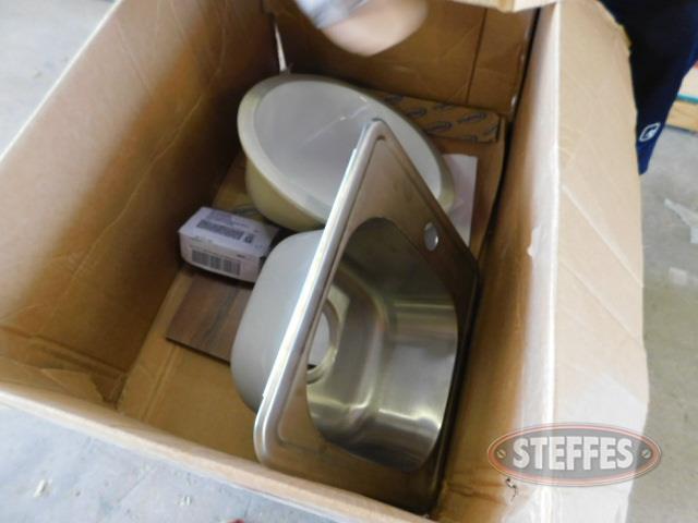 Asst--sinks---faucets_1.JPG