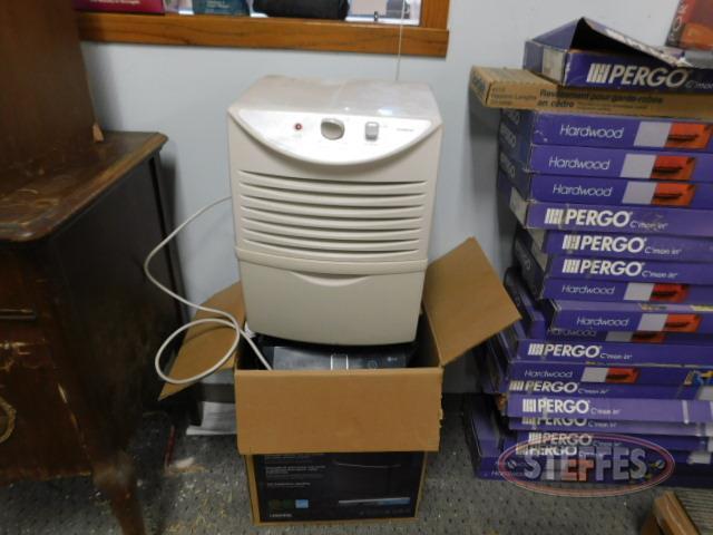 (2)-humidifiers--LG---Goldstar--New-in-box_1.JPG