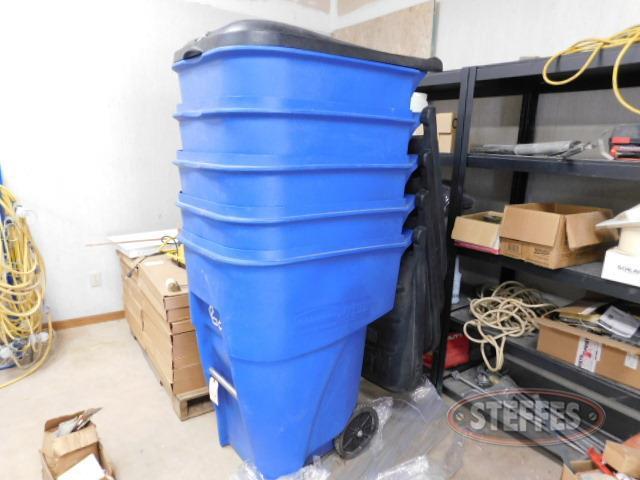 (5)-95-gal--garbage-recycling-bins--flip-lids--wheels_1.JPG