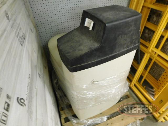 Water-softener-tank-w-filtration-system-and-pressure-tank--works_1.JPG
