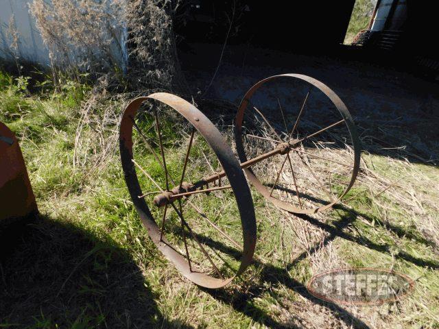 Steel-wheels-w-axle--_1.jpg