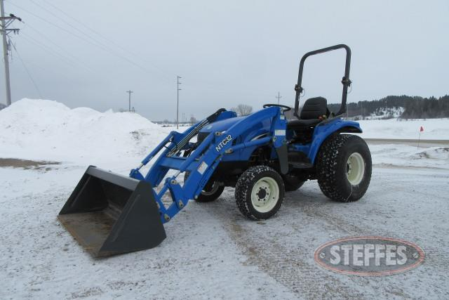 2004 New Holland TC33DA
