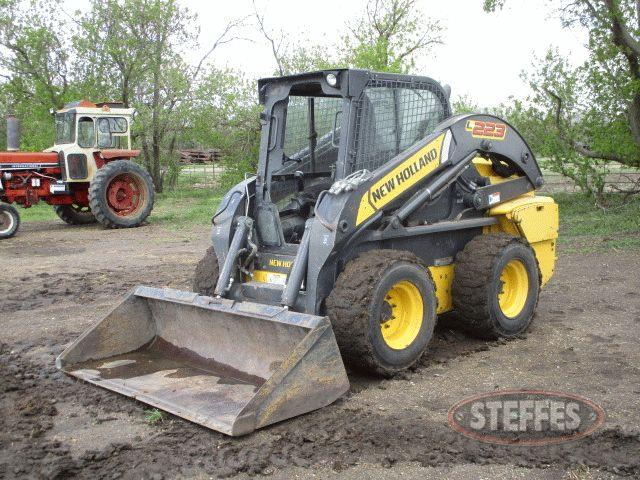 2011 New Holland L223