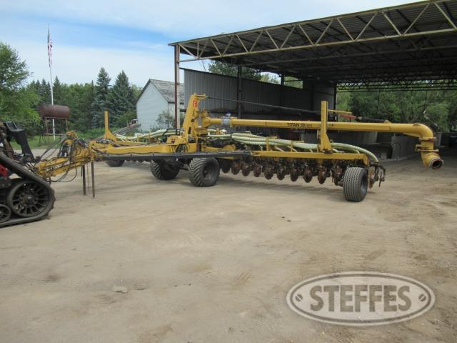 2018 Bazooka Farmstar T261839CT-HD