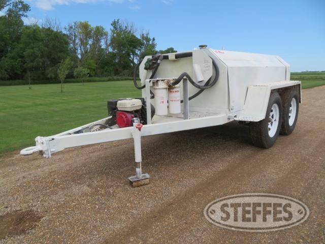 Fuel transfer tandem axle trailer