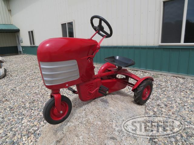 Pedal tractor, chain driven, red
