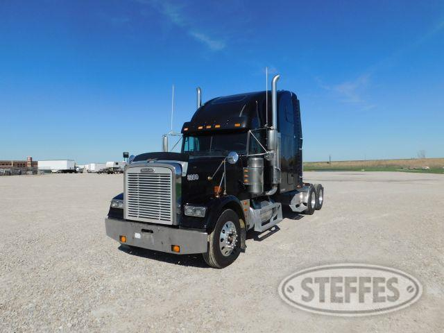 2000 Freightliner FLD132 Classic XL
