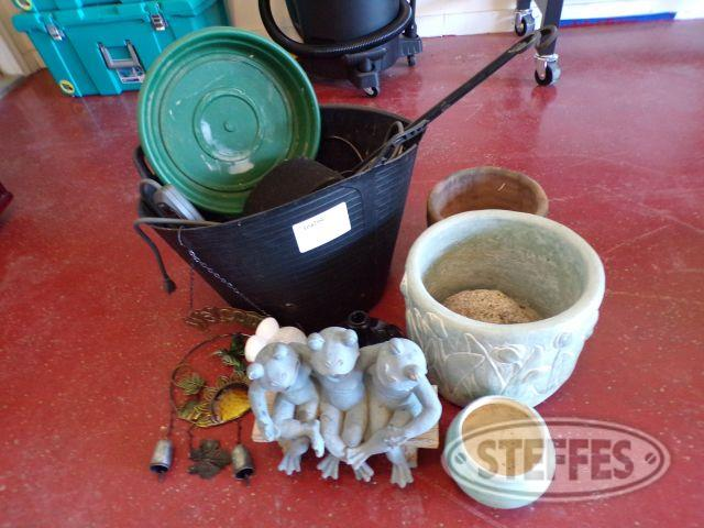 Assorted Plant Pots & Yard Ornaments